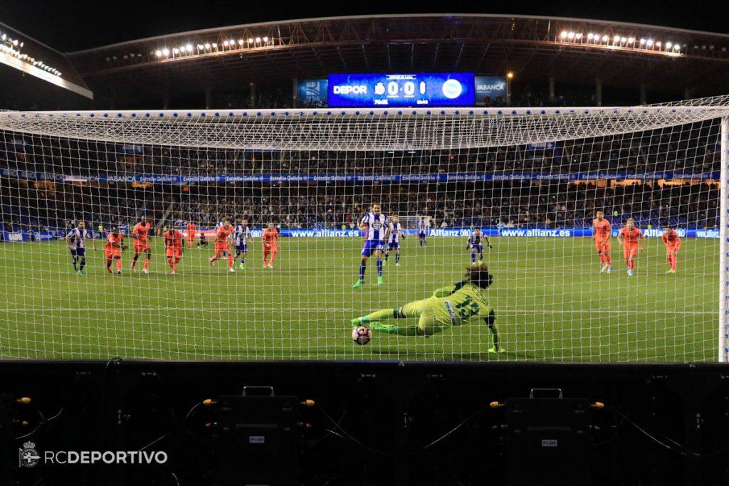 Ochoa para un penalti a Borges